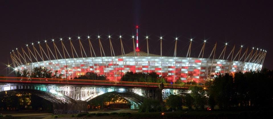 oświetlenie obiektów sportowych