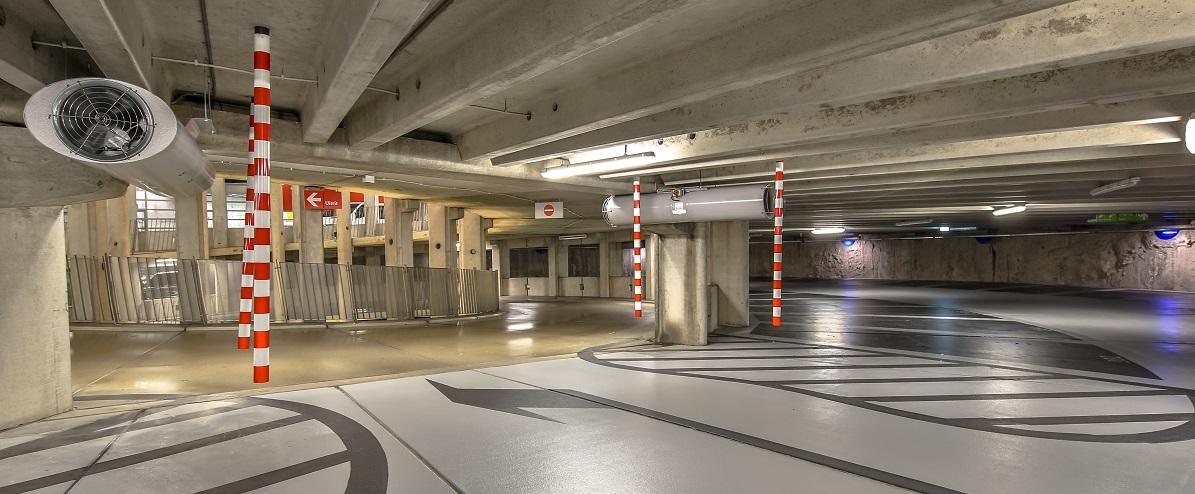 oświetlenie parkingowe podziemne